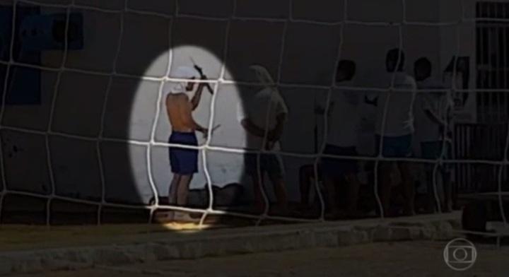 os-reporteres-do-fantastico-entraram-na-penitenciaria-de-alcacuz